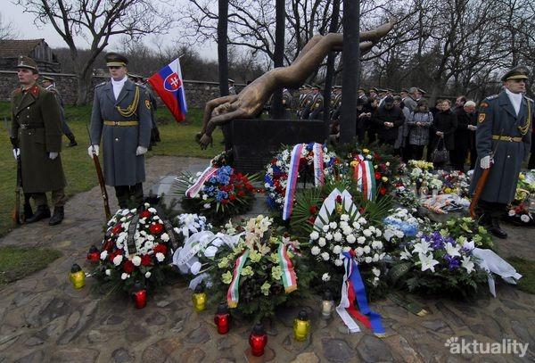 Tragédia lietadla pri obci Hejce - spomienka v roku 2011